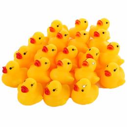 2019 pala de plástico de playa Venta al por mayor-20pcs / lot goma pato niños bebé baño juguetes Squeaky piscina flotador niños Brinquedos pato amarillo Squeeze-sonar Dabbling juguete de agua