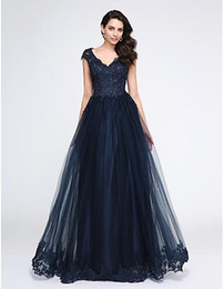 Wholesale Cheap Formal Dresses Feathers - New Arrival 2017 Dark Navy Lace Prom Dress With Tulle V Neck Cheap Formal Party Evening Dresses Sheer Back Lace Appliques Modest Party