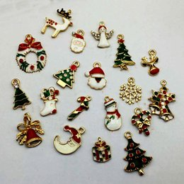 Wholesale Mixed Jingle Bells Charms Pendant - 19pcs Metal Alloy Mix Christmas Ornaments Pendant Sets Charm For Holiday Decoration For Home Natal jingle bells Adornos Navidad