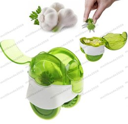 Wholesale Ginger Cooking - 2017 NEW Mini Green Rolling Cutter Machine Garlic Koll Chop Grinding Garlic Ginger Press Chopper Kitchen Cooking Accessories Tools GLO