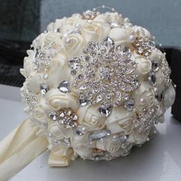 Wholesale Cream Silk Flowers - Best Selling Ivory Cream Bridal Brooch Bouquet Wedding Bouquet de mariage Polyester Wedding Bouquets Pearl Bridal Flowers buque de noiva