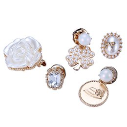 Wholesale Holidays Brooches - New Holiday Collar Brooches Sets Brooch Pins Fashion Women Gifts Gold Jewelry Badge Accessories Clothing Decoration Gifts Free shipping
