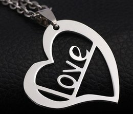 Wholesale Heart Shape Couple Necklace - Beichong Wholesale Heart shaped models Love titanium steel accessories Korean new couple smooth stainless steel pendant