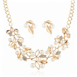 Wholesale Rhinestone Leaf Necklace Gold Plated - Fashion Jewelry Sets Gold Plated Rhinestone Pearl Leaf Pendant Necklace Stud Earrings Sets For Women Jewelry