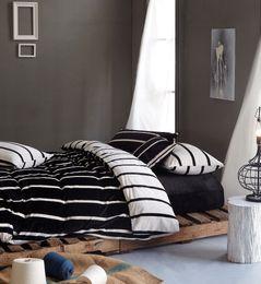 Wholesale Flannel Sheets - Wholesale-2017 Warm Flannel Bedding Sets Black White Striped Sheet Bedding bag Pillowcase 4Pcs Queen King Size