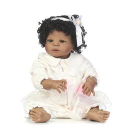 2019 giocattolo corpo completo della ragazza Commercio all'ingrosso- 56CM India Full Girl Body Doll Silicone nero Bebe Doll Reborn 22 pollici Vinile Realistico da collezione Doll Reborn Baby Girls Giocattoli sconti giocattolo corpo completo della ragazza