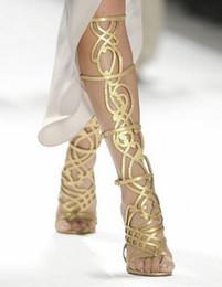 Canada 2017 femmes sexy genou bottes de mode coupe des chaussons minces talon pointe orteils gladiateur sandales chaussons couleur or chaussures habillées mujer botas cheap gold knee sandals heel Offre