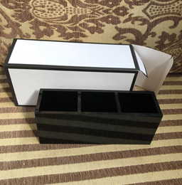 Wholesale Makeup Cc - Famous CC 3 Grids Cosmetic Holder Make-up Box Acrylic Women Makeup Tools Organizer For Girlfriend Wedding Gift Luxury Logo Gift