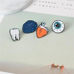 2019 olho cerebral Atacado-Cartoon Bonito Cérebro Coração Eye Tooth Broche De Metal Pins Pinos Pinos Presente Da Menina Atacado z14 desconto olho cerebral