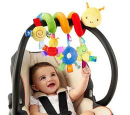 Deutschland Großhandelsspitzenverkaufs-nettes Säuglingsbabyplay-Baby-Plüsch-angefüllte Spielwaren-Tätigkeits-gewundenes Bett-Spaziergänger-Spielzeug-gesetztes hängendes Puppen-Glocken-Krippen-Rassel-Spielzeug supplier wholesale baby crib bedding sets Versorgung
