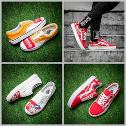 Wholesale Sports Casual Shoes Mens - 2017  X Supreme Graffiti Old Skool Skateboard Shoes Women Mens Sup White Yellow Red Slip on Casual Sport Sneakers