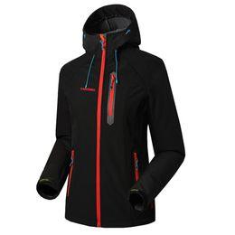 Moda mujer chaqueta impermeable impermeable capa exterior senderismo ropa a prueba de viento suave Shell Fleece Chaquetas desde fabricantes
