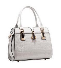 Wholesale Handbag Models - 2017 new ladies bag Messenger bag handbag Europe and the United States fashion shoulder bag spring and summer burst models