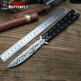 Wholesale Damascus Hunting - Butterfly BM42 Damascus Texture Balisong tactical outdoor folding knife gift butterfly knife Microtech Free-swinging folding camping
