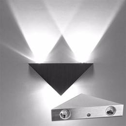 LED Duvar Lambası 90-260 V 3 W Alüminyum Vücut Üçgen Duvar Işık Yatak Odası Ev Aydınlatma Armatür Banyo Işık Fikstürü Duvar Aplik supplier led lights for bathroom fixtures nereden banyo armatürleri için ledli ışıklar tedarikçiler