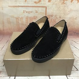 Wholesale cheap flat loafers men - 2017 Name Brand Cheap Sneaker Flat Genuine Leather Spikes Black Shoe Man Casual Party Shoes Man Slip On Woman Sneaker Fashion Rivets Loafers