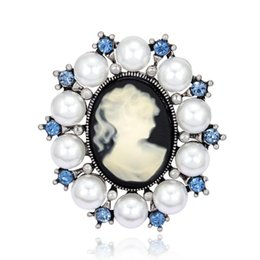 Wholesale White Gold Cameo - Wholesale- Fashion Antique Vintage Imitation Pearl Brooch Pins Female Brand Jewelry Queen Cameo Brooches Rhinestone For Women Gift PWBR003