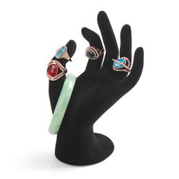 Anneau de présentation noir en Ligne-Nouveau Noir Velours Bijoux Anneau Bracelet Collier Suspendus Main Présentoir Stand Présentoir Résine En Gros