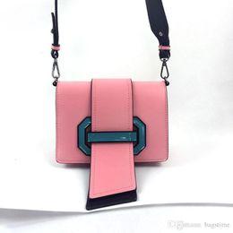 Carteira de design de moda rosa on-line-Mais recente Moda Personalidade Sacos de Ombro Língua Flap Sacos Crossbady Branco Preto Rosa Totes Novo Design Bolsas Carteiras Com Alta Qualidade