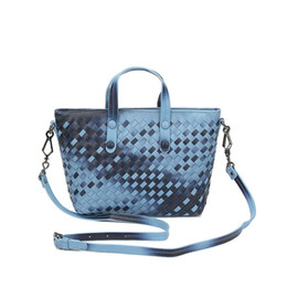 Wholesale Hand Bag China - Made in China 2017 new Korean version of hand-woven fashion simple wild shoulder shoulder oblique cross-style ladies bag low-cost sale