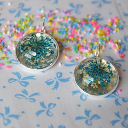 Wholesale Cuffed Earings Pierced - Vintage silver plated tray Clip Earrings Piercing for women vintage Handmade dried flowers round resin cabochon Ear Cuff Earings E1027
