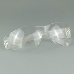 Occhiali protettivi per il posto di lavoro Occhiali protettivi Protezione per gli occhi Occhiali con lenti trasparenti per il lavoro industriale da laboratorio Occhiali da taglio per spolverare 9936 da lampade decorative portate fornitori