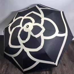 Wholesale Umbrella Pattern - luxury Classic pattern Camellia Flower logo Umbrella For Women 3 Fold Luxury Umbrella with gift Box And Bag Rain Umbrella VIP gift