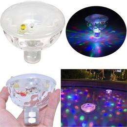 Cambio de color bajo el agua luces led online-La moda caliente cambia de color Brilla intensamente LED Muestra de luz subacuática Piscina Disco Fiesta Spa Baño Luces impermeables
