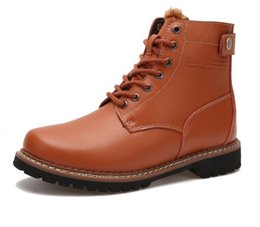 Wholesale Wholesale Boots For Men - A pair of winter men's boots and cotton high helper boots for men to keep warm and plush leather boots Package mail