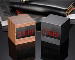 Reloj de tarjeta de video online-Cámara de reloj 1080P A10 Full HD Night Vision reloj despertador digital DVR con controlador remoto reloj de voz grabadora de video tarjeta TF