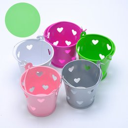 Wholesale Tin Pail Bucket Gifts - 5 Colors Mini Tin Candy Bucket With Hollow Hearts Wedding Pails Metal Bucket Candy Box Party Decoration Souvenirs Gift