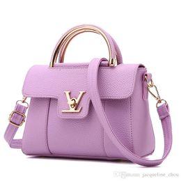 4c3127469116 Chinese Summer hot sale 2018 new style vogue small incense bag lady fashion  handbag worn PU