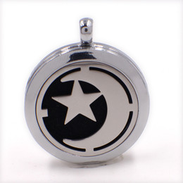 Wholesale Moon Pads - 1pcs moon 30mm Magnetic Perfume Aromatherapy essential oil Diffuser Locket Hollow locket pendant with chain (Felt Pad randomly freely) XX149