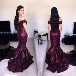 Abiti lunghi abbastanza corti di promenade online-2017 Sparkle Off Shoulder Prom Dresses Major Sequins Short Sleeve Tiered Mermaid Long Party Dress Fashion Charming Sexy Pretty Evening Gowns