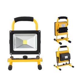 Carregador de destaque on-line-portable rechargeable led flood light 10W 20W Waterproof IP65 camping lamp outdoor Spotlight Floodlight car charger