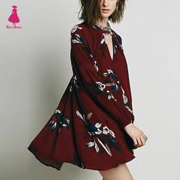 Vestito di tela lungo collo di v online-All'ingrosso- Vintage Floral Print Deep scollo a V in cotone lino irregolare Hem allentato Mini Dress Pullover manica lunga donne etniche femme vino rosso