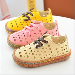 Wholesale Vintage Gladiator Shoes - Free shipping wholesale 2017 summer newest vintage hollow out hole sandals shoes for girls kids cow muscle sole breathable pink yellow beige