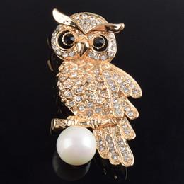 Baykuşlar takı ucuz broşlar iğneler moda broşlar altın broş düğün hediyeleri için konuk için broş ile yapay inci rhinestone ile nereden