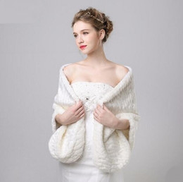 Wholesale Winter Wedding Coats For Bridesmaids - Princess Faux Fur Bridal Shrug Wrap Cape Stole Shawl Bolero Jacket Coat Crystal For Winter Wedding Bride Bridesmaid Dresses Real Image