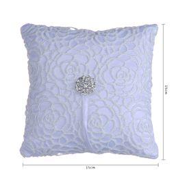 2019 cestas de flores para casamentos Elegante Branco Oco Flora Anel de Cristal Travesseiro Strass Acessórios de Festa de Casamento Anel De Noiva Travesseiros com Fita de Qualidade Superior
