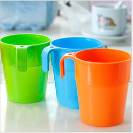 Wholesale Toothbrush Hanging Cup - Plastic Toothbrush Cups With Ear Hanging Candy Color Rinse Cup Tea Drink Toothpaste Brush Holder Couple Suit 0 55rr F