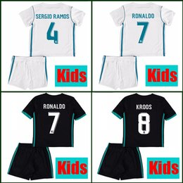 Wholesale Madrid Youth - Cheap Thailand kids Real madrid soccer Jersey 17 18 boys youth children RONALDO BALE SERGIO RAMOS ISCO MODRIC football shirt uniform 2018
