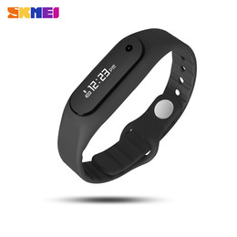 Wholesale Heart Battery Monitor - Wholesale- SKMEI E06 NEW Smart Watch Heart Rate Monitor Bluetooth Call Reminder Watch Men Wristband iOS Andriod