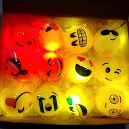 Creativo 5.5 cm de goma Led parpadeante bola resplandor en la oscuridad iluminar Emoji Bouncy Balls fiesta de cumpleaños suministros de regalo ZA3742 desde fabricantes