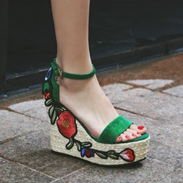 Wholesale thick sole wedge platforms - Exclusive 2017 HIGH wedge platform thick sole women sandals luxury genuine leather embroidery flower open toe leather strap sandals
