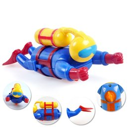 Wholesale Doll Wind Up Toy - Wind Up Water Diver With Scuba Remontoir Diving Doll Children Bath Time Fun Toddler Puzzle Toys Swimming Pool 6 8db D