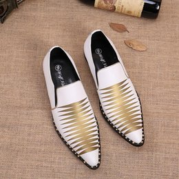 Wholesale Rhinestone Spikes Studs - NEW fashion luxury genuine leather men shoes handmade spikes stud white wedding Homecoming prom Evening Formal Shoes