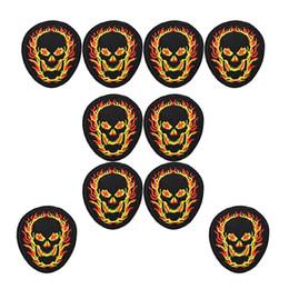 2019 badges incendie 10 pcs Punk feu crâne badges patchs frais pour les vêtements fer brodé patch appliques de fer sur les patchs à coudre accessoires DIY promotion badges incendie