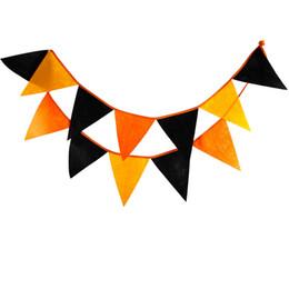 Wholesale- 12 bandiere 3.2 m nero e giallo mix colori tessuto non tessuto Bunting Pennant Bandiera Banner Ghirlanda Halloween Home Party Accessori da