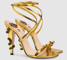 Дракон Высокие каблуки Женские сандалии из натуральной кожи Strappy Черное золото Зеленое розовое платье Свадебная обувь Летние гладиаторы Femme cheap womens strappy heels от Поставщики женские ленточные каблуки